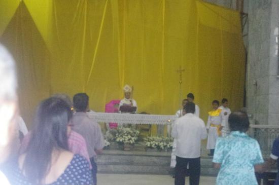 St. Joseph Cathedral: Altar
