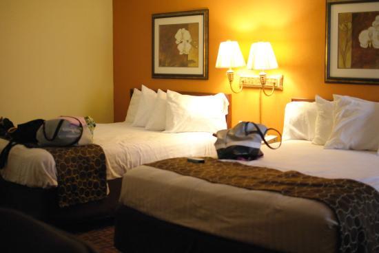 Best Western Louisville East: twin suite