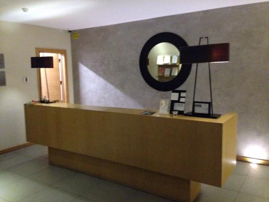 Aparthotel Mira Villas: The front desk (empty 90% of the time)