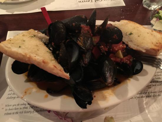 Three Cod Tavern: Plate full of Mussels.  Yummy!