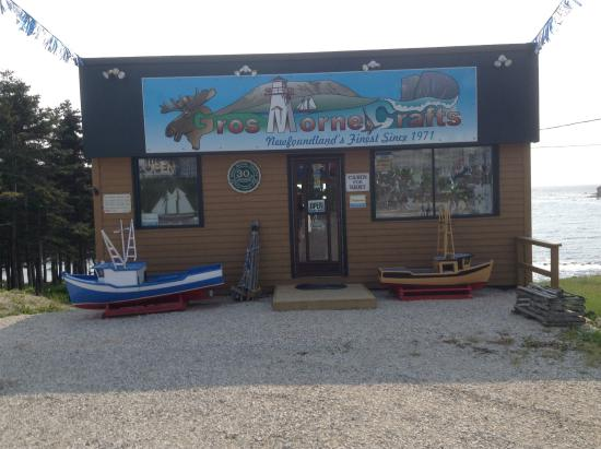 Rocky Harbour, Canadá: Over 40 years of Quality Handmade Newfoundland Products with the best prices. A must stop for an