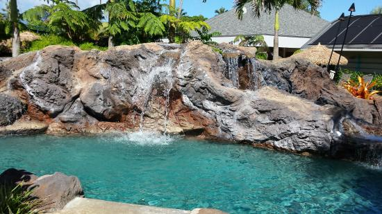 The Cliffs at Princeville : Beautiful views and nice pool