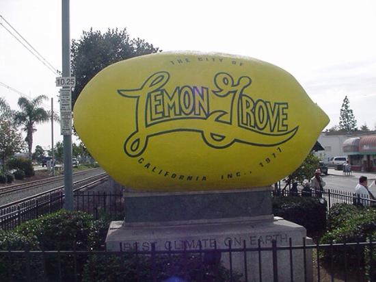 Lemon Grove, CA: Biggest Lemon In the world