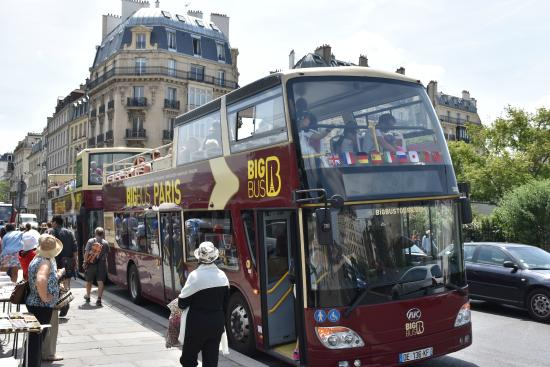 big bus paris picture of big bus paris paris tripadvisor. Black Bedroom Furniture Sets. Home Design Ideas