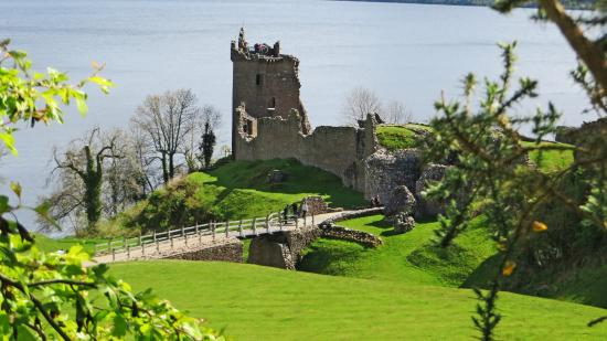Aviemore, UK : Urquart Castle on Loch Ness