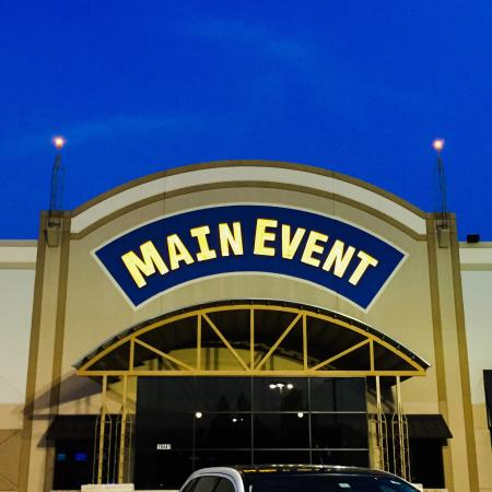 Main Event Entertainment: Fun times at Main Event