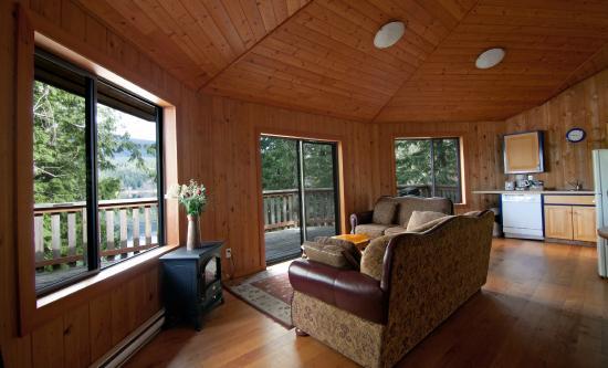 Desolation Resort: Chalet 1 with private hot tub