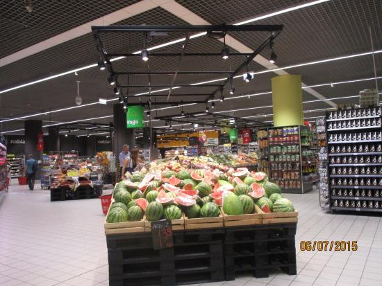carrefour supermarket picture of zlote tarasy warsaw tripadvisor. Black Bedroom Furniture Sets. Home Design Ideas