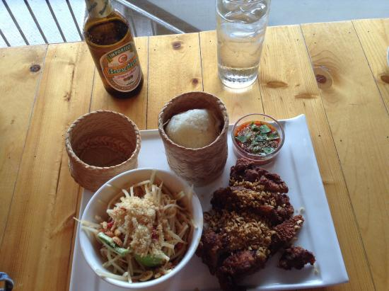 Somtum Der : Lunch special 12 bucks plus beer