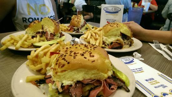 Miracle Mile Delicatessen: New Yorker Sandwich