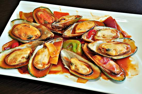 Edge Hill, Австралия: New Zealand Mussels in Chili Black Bean Sauce