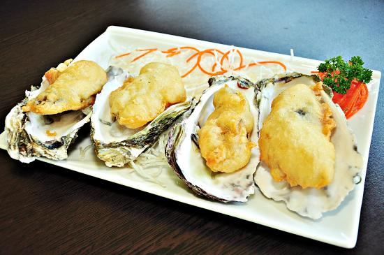 Edge Hill, ออสเตรเลีย: Golden Fried Jumbo Oysters