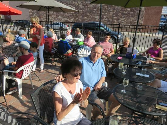 Congress Pizza: Outdoor Patio Dining