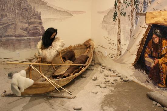 Carmacks, Canada: Moose hide canoe
