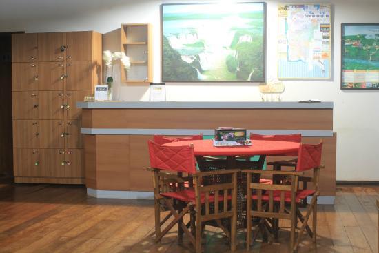 Iguassu Eco Hostel: mesas