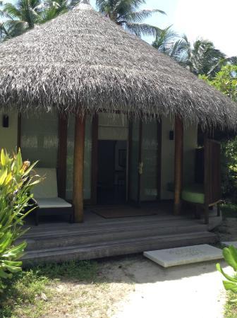 Kuramathi: Exterior of Deluxe Beach Villa with Jacuzzi