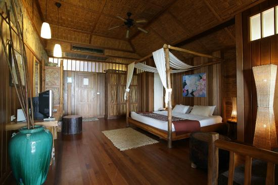 Coral Bay Resort: Bangalow interior