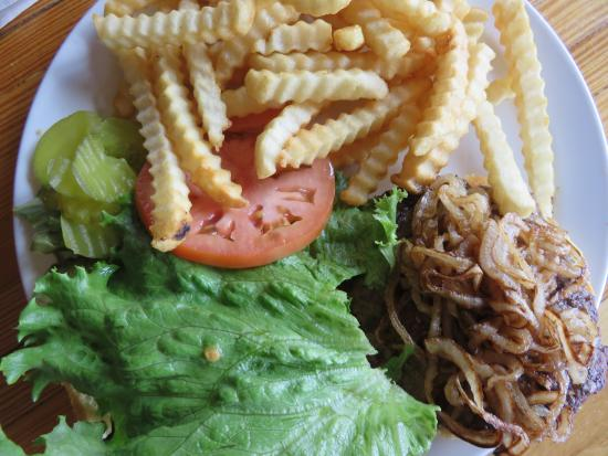 Wausaukee, WI: Burger w Grilled Onions