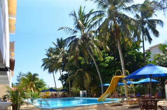 Kahama Hotel: SWIMMING POOL