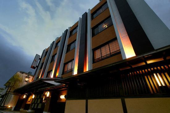 Nishiyama Ryokan: ホテル玄関