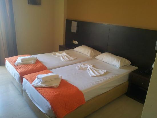 Sofia Hotel: Tastefully set room
