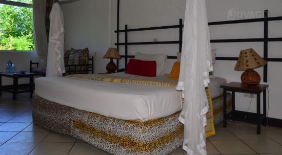 Kahama Hotel: room 2