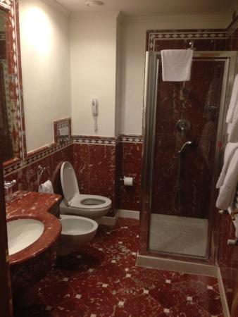 Marconi Hotel: bagno pulito