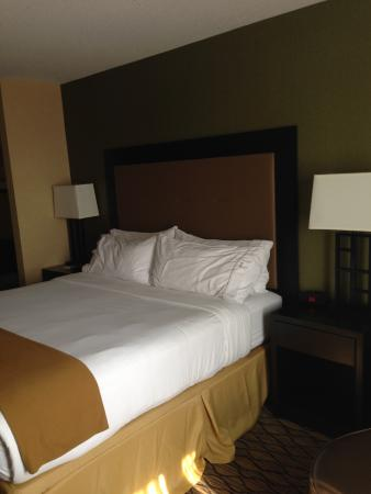 Holiday Inn Express Hotel and Suites Fort Saskatchewan