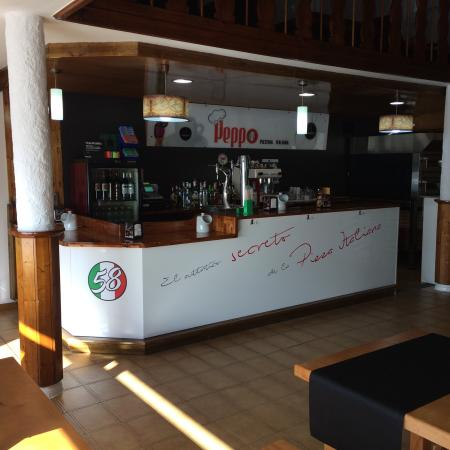Boiro, Spain: Interior pizzeria peppo 58