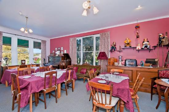 Butler House: Dining room
