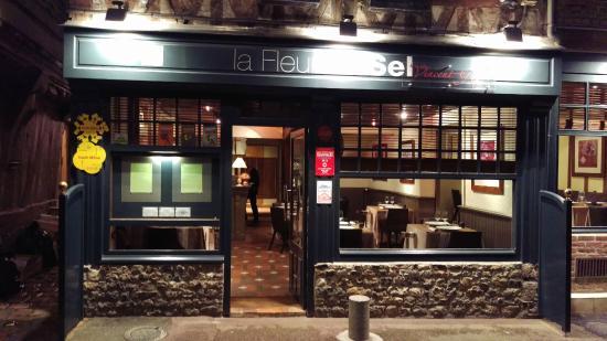 La fa ade du restaurant photo de la fleur de sel - Restaurant port en bessin fleur de sel ...