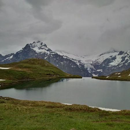 Grindelwald, Svizzera: The lake on a cloudy day.