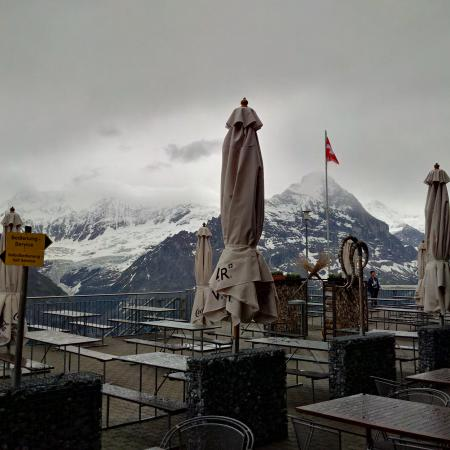 First Mountain Resturant: The terrace outside.