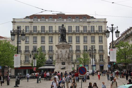 praça luis de camoes lisboa mapa Praça Luis de Camões   Chiado   Foto de Chiado, Lisboa   TripAdvisor praça luis de camoes lisboa mapa