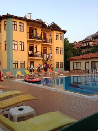 Villa Turk Apartments: main hotel block