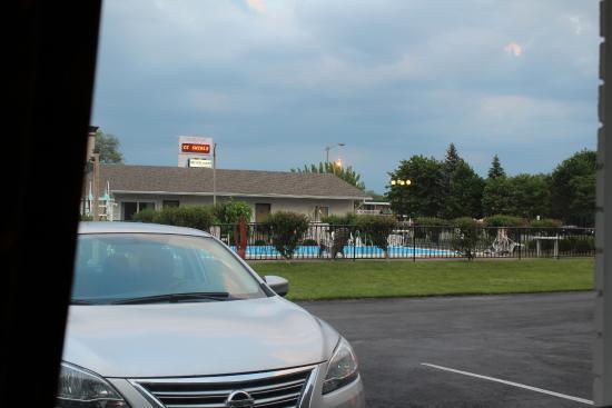 Seven Oakes Motel: Vista dalla camera del motel