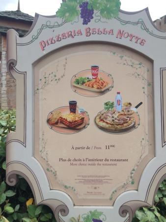 Pizzeria Bella Notte - Disneyland Paris : ここのピザ好きです