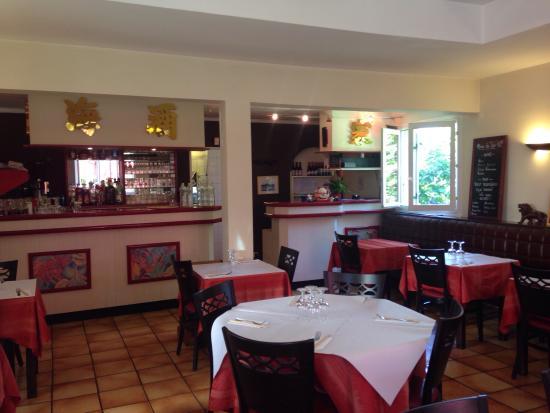 Intérieur Et Terrasse Extérieure Picture Of Restaurant Le