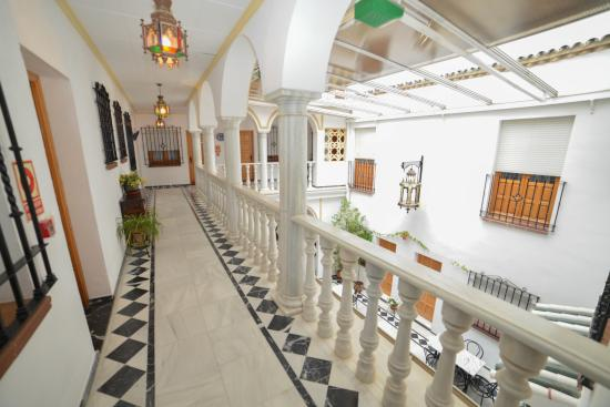 Los Omeyas Hotel: Hotel interior