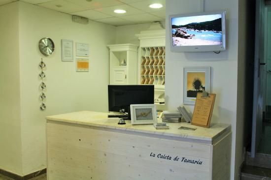 Hotel la caleta de Tamariu: Recepción