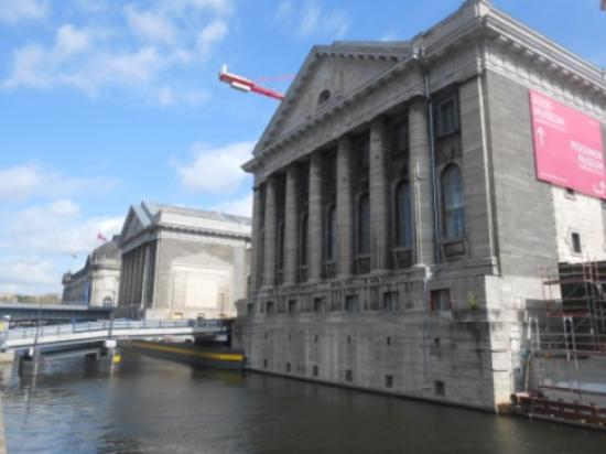 Berlin Urban Adventures: Museum island