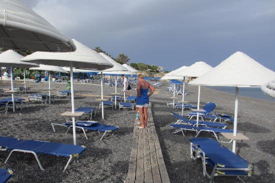 Coriva Beach Hotel : Пляж отеля