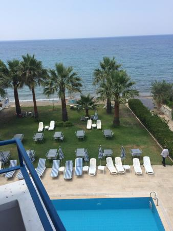 Art Beach Hotel: Oda havuz