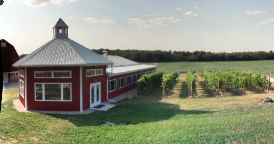 Delavan, WI: Winery seclusion