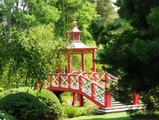 Parc floral pont japonais picture of parc floral d for Apremont sur allier jardin