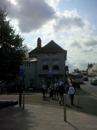 The Encore : Pub from outside