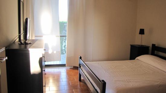 Fragos Garden Studios: спальня