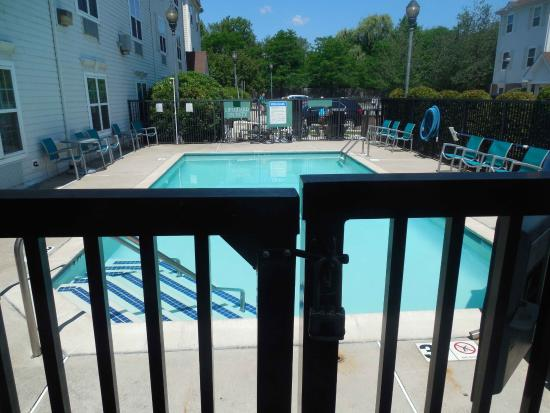 TownePlace Suites Boston Tewksbury/Andover: No pool today...(or ever)