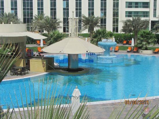 Das pub picture of millennium airport hotel dubai dubai - Dubai airport swimming pool price ...