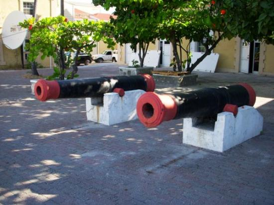 Cockburn Town, Grand Turk: Old Cannons down Town Grand Turk